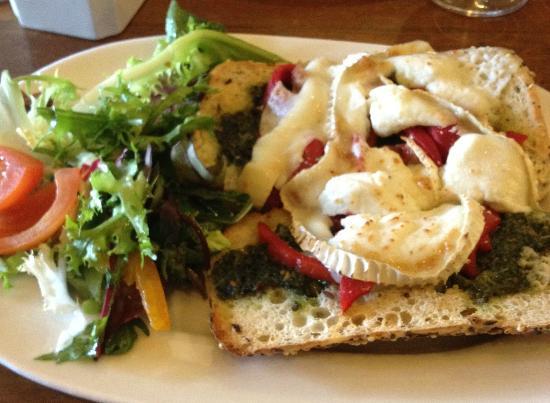 The Strand Bar: Goats cheese panini