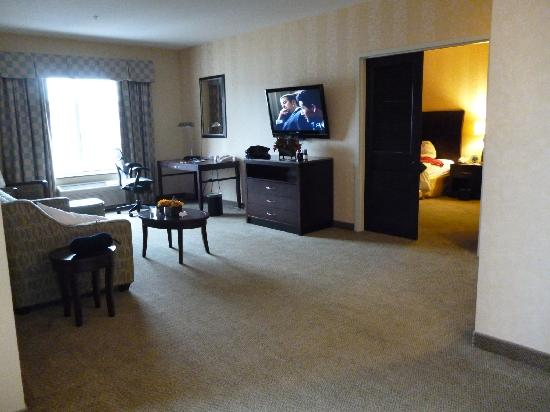 Hilton Garden Inn Mankato Downtown: 9th Floor suite