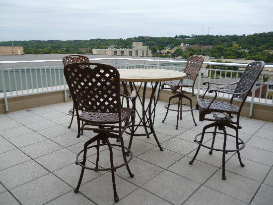 Hilton Garden Inn Mankato Downtown: The rooftop deck in the suite