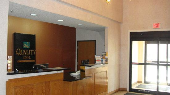 Quality Inn Merrillville: Lobby