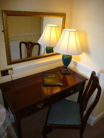 Shelley's: Quality Furnishings