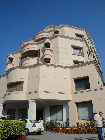 Hotel Meraden Grand: Hotel