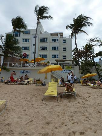 Atlantic Beach Hotel: the beach