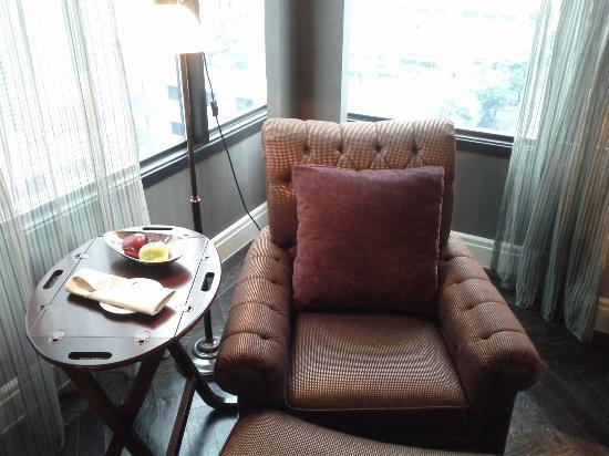 Hotel Muse Bangkok Langsuan - MGallery Collection: Hotel Muse Bangkok Langsuan Room 902 Chair & Fruit Amenity - LoyaltyLobby