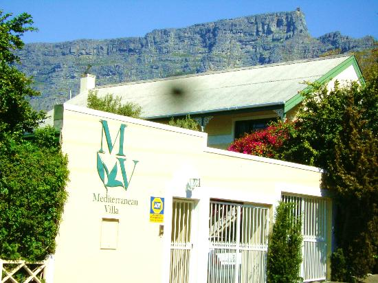 Mediterranean Villa Bed and Breakfast: Medvilla in Tambourskloof at the foot of table mountain