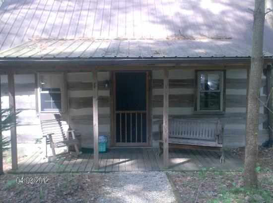Hocking Hills Frontier Log Cabins: Blue Cabin