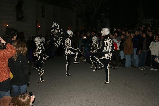La Danza de la Muerte: Dansa de la Mort de Verges