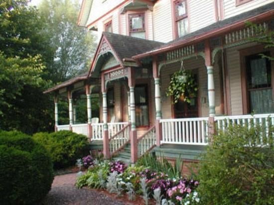 Garden and Sea Inn : front entrance