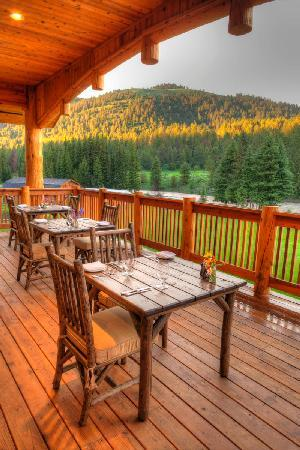 Rainbow Ranch Lodge Restaurant: The Deck