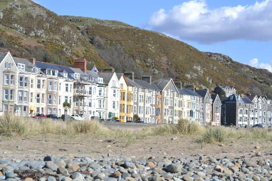 Belle Vue: Guest Houses from the beach