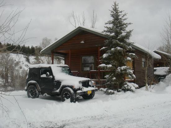 Fireside Inn & Cabins: We stayed in a one bedroom riverside cabin.