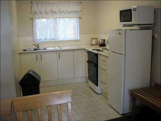 Mollymook Shores: Kitchen area