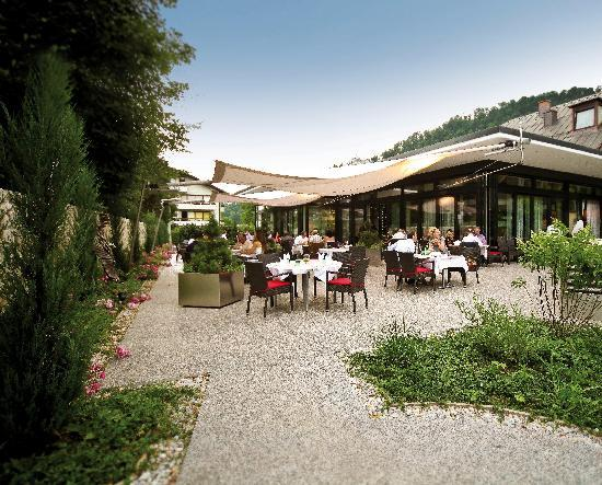 Restaurant Bar Schmederer: Die Sonnenterrasse im Schmederer...