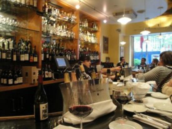 Morrell Wine Bar & Cafe: Il bar