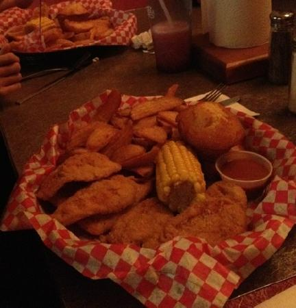 Famous Dave's: chicken meal