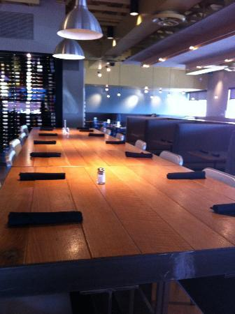 BLD Restaurant: Booths and tables-arranged comfortably
