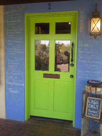 Cafe Monarch: Entrance