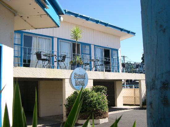 Strand Motel : view from office