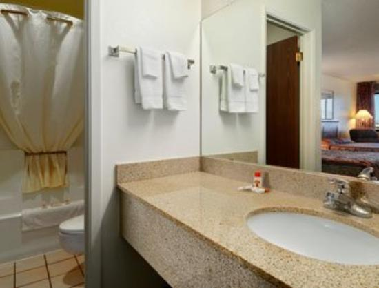 Motel 6 Safford : Large Bathroom Vanity