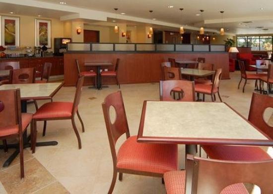 Comfort Suites Vacaville: Restaurant