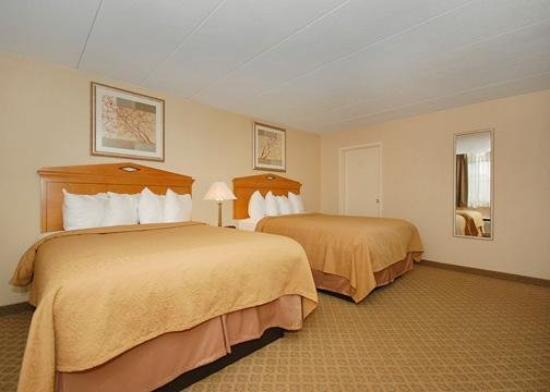 Quality Inn & Suites Fairview: Guest Room