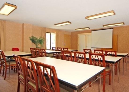 Quality Inn North: Meeting Room