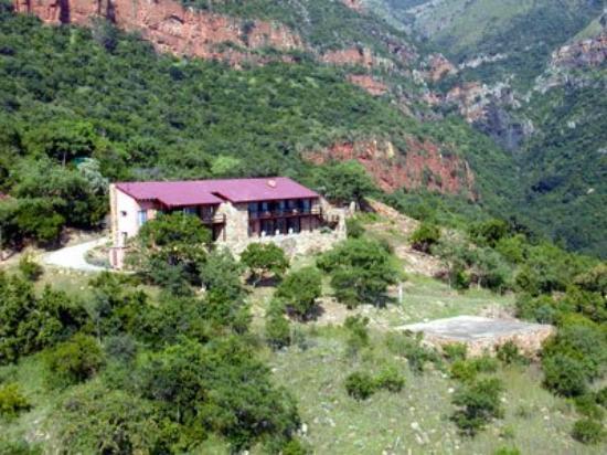 Monyela Mountain Lodge : Exterior View