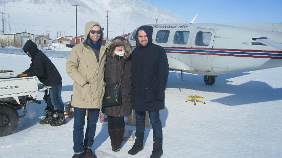 Warbelow's Air Ventures - Polar Bear Tour: Brrrrrrrr......