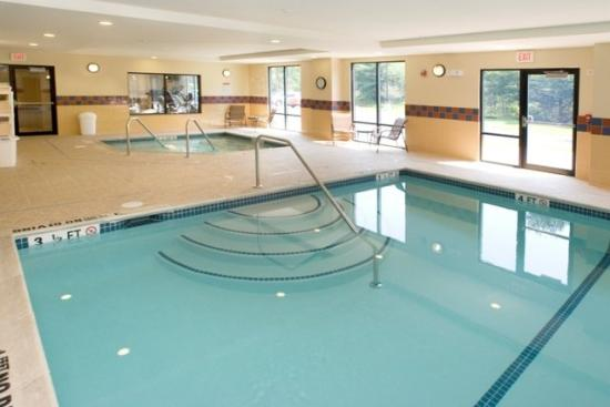 Hampton Inn and Suites Tilton: Pool