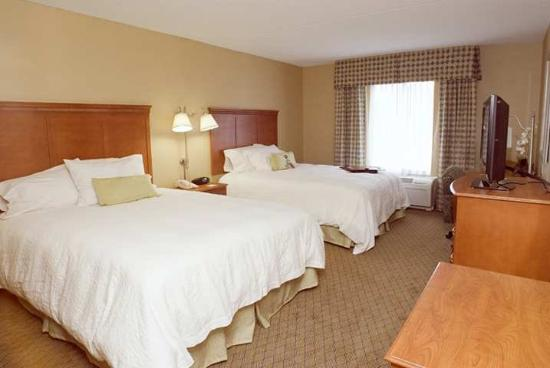 Hampton Inn and Suites Tilton: Guest Room