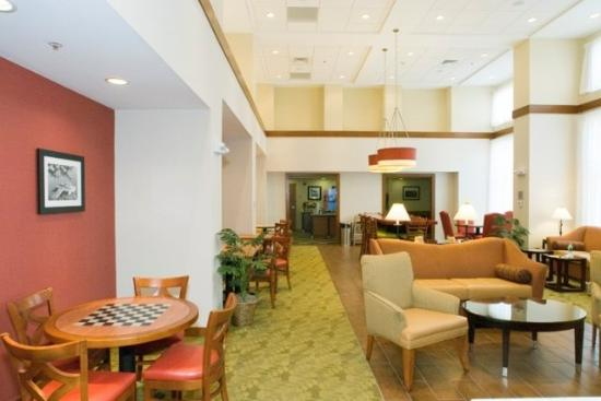 Hampton Inn and Suites Tilton: Lobby Brk