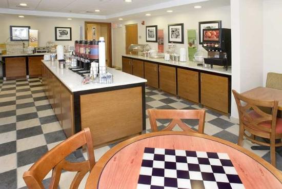 Hampton Inn and Suites Tilton: Restaurant