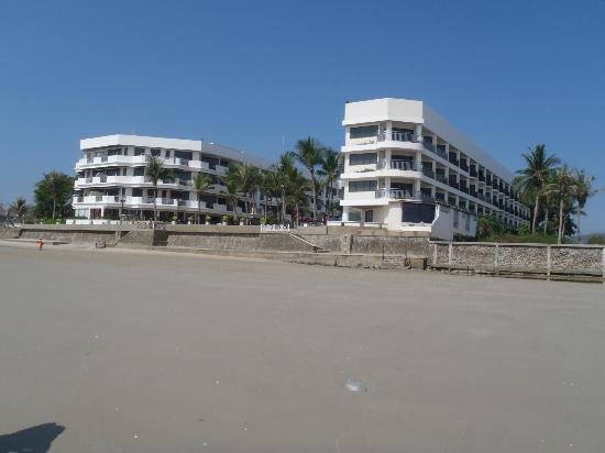 Imperial Hua Hin Beach Resort: Taken from the baech