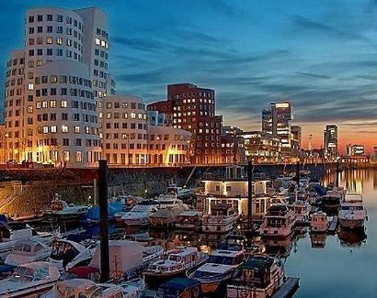K Hotelschiff Messe: DUS harbour