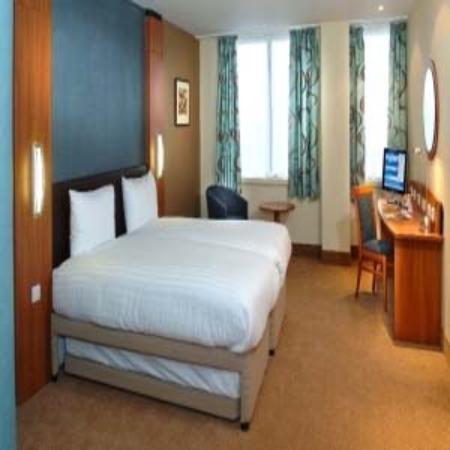 purplehotel Baldock: HTMLStd Twin