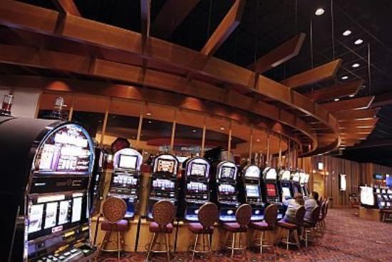 Kewadin Shores Casino and Hotel: Gaming Floor