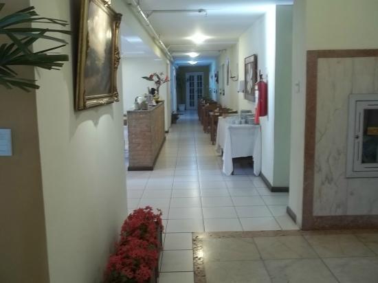Hotel Carioca: Entrada para a sala de café