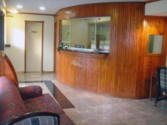 Rodeway Inn & Suites Fort Jackson: Lobby