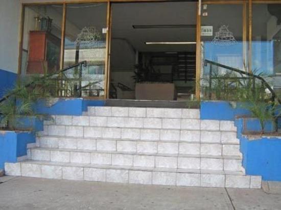Hotel La Roca: Exterior