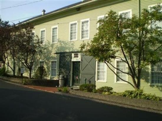 Photo of Heritage Inn New Milford