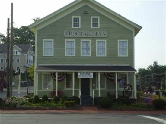 Heritage Inn: Exterior