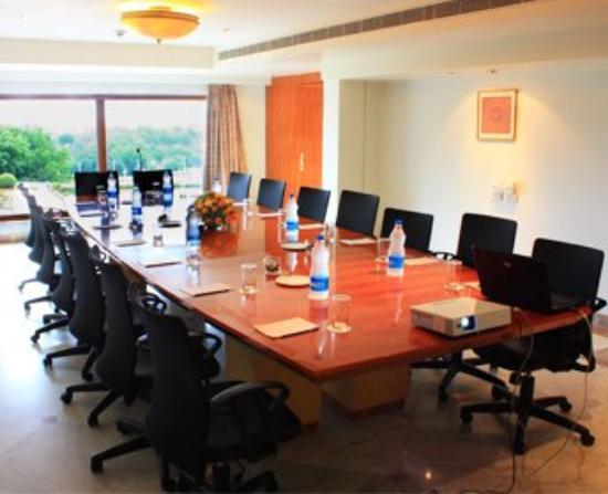 Ramoji Film City Hotel Sitara: Board Room