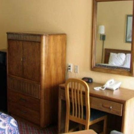 Budget Host Inn & Suites Muskogee: BHMUSKArmoire Table