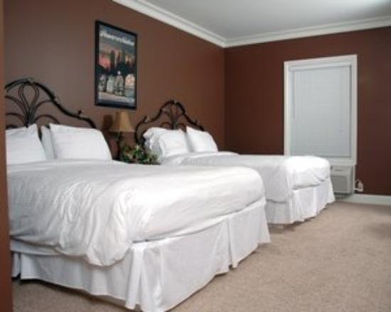 Depot Inn & Suites: Two Beds Room