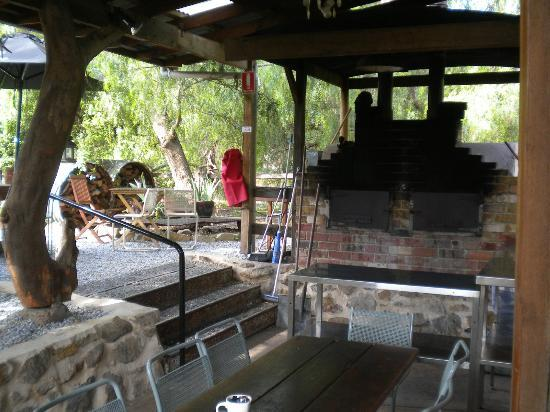 Lilla's Cafe: Out the back
