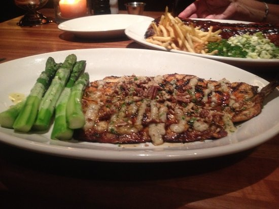 Houston's: trout special