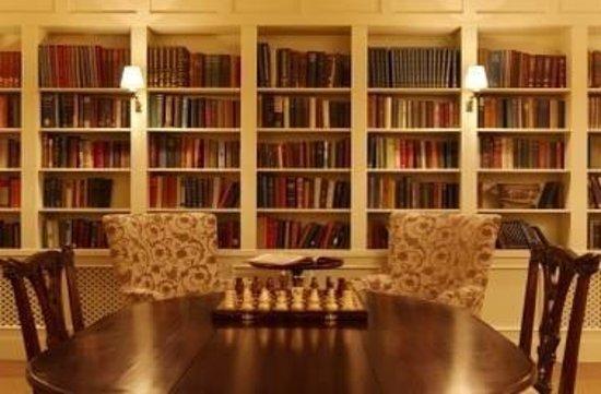Lough Eske Castle, a Solis Hotel & Spa: The Castle Library
