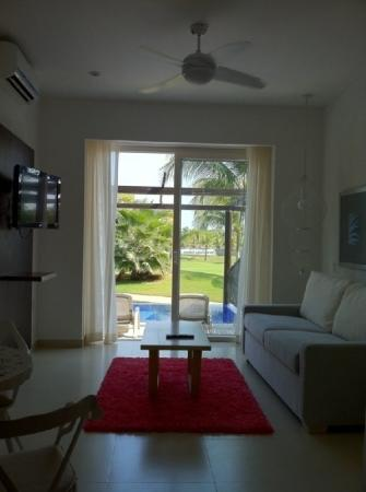 Taheima Wellness Resort & Spa: Deluxe Suite Living Room