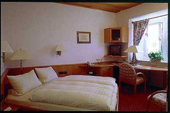 Schloss-Hotel Petry: Guest Room