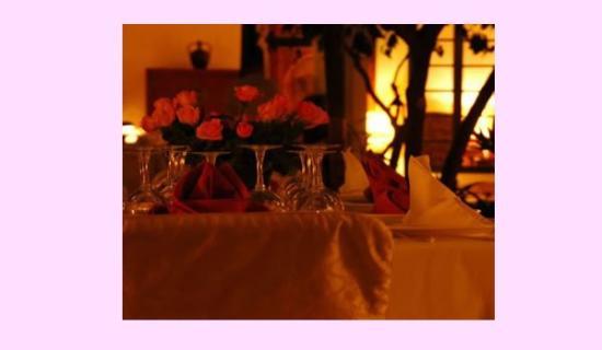 Riyad El Cadi: Dining